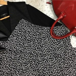 Black/White A-Line Skirt Size: S